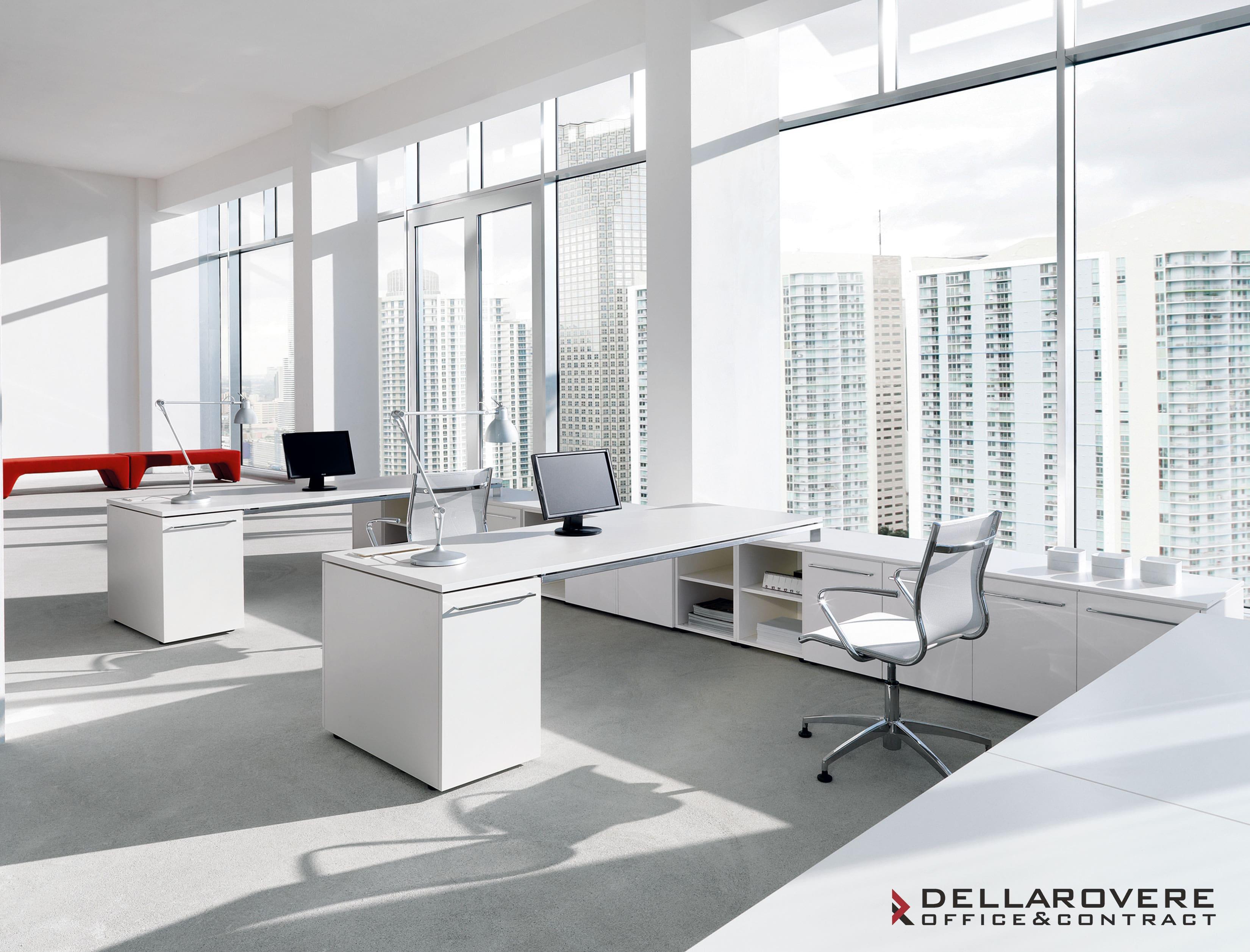 Scrivania operativa per ufficio be della rovere for Cassettiere design per ufficio